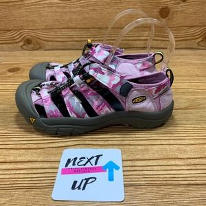 Keen Closed Toe Hiking Sandals Pink Camo size 6.5